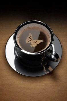Gourmet coffee cup: 10 amazing coffee art examples
