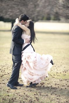 A bride in her PINK wedding dress, photography by Sara Kauss Photography