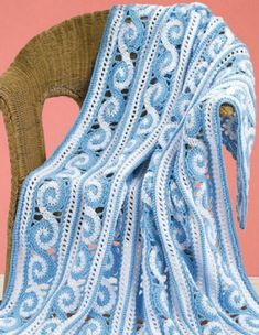 [Free Pattern] This Spiral Crochet Afghan Is Mesmerizing!