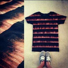 Подборка на тему как модно переделывать футболки. В первом случае — доместос, линейка и кисточка.