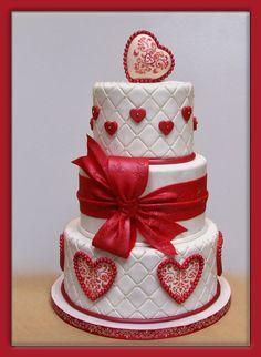 LOVE this Valentine cake