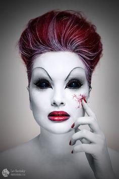 Lev Savitskiy #Halloween #Jalouin #Otrasdemencias #Photography #makeup Halloween Contacts, Halloween Kostüm, Halloween Face Makeup, Halloween Masquerade, Sfx Makeup, Costume Makeup, Horror Make-up, Fantasy Make Up, Theatrical Makeup