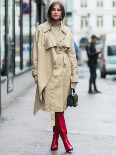 Red ankle boots are the surprisingly favourite shoes for autumn/winter 2017. These street style stars show how to style red boots for now…