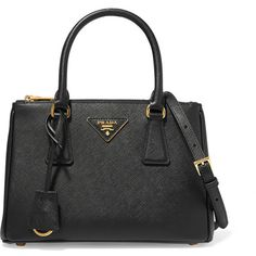 Prada Galleria small textured-leather tote (€1.430) ❤ liked on Polyvore featuring bags, handbags, tote bags, snap purse, tote handbags, zipper tote, prada purses and zipper handbag