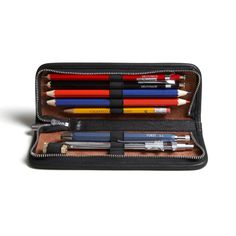 The Lenz is a compact carrying case for your favorite writing instruments and drafting tools. It's one of those classic accessories that (sadly) se...
