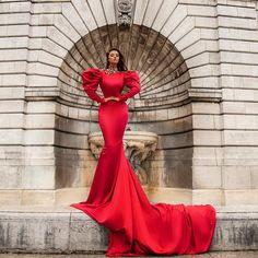 Bad Dresses, Event Dresses, Formal Dresses, Red Satin Dress, Satin Dresses, Style Couture, Couture Fashion, Long Sleeve Evening Dresses, Evening Gowns