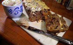 Wie vindt kerststol lekker? En wie ziet ze liever zonder mega hoeveelheden suiker, geharde (of twijfelachtige) vetten en verbeteraars? Ik ook. En daarom heb ik een Feestbrood bedacht. Want, wat zijn de feest-ochtenden zonder een feest-ontbijt? Dit Feestbrood is gebaseerd op het Volkoren Amandelmeelbrood met wat extra's om het ja, feestelijk te maken! Ik was …