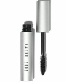 A kohl-pigmented mascara that delivers high drama. Extremely creamy, this kohl-pigmented mascara builds volume lash by lash, as opposed to traditional volumizing formulas that create the appearance of volume by clumping lashes together. The result is extremely black, stretched-out lashes in an instant the perfect complement to a smoky eye look. A thicker brush base evenly combs through eyelashes from roots to ends, while a tapered tip grabs those small, hard-to-reach lashes.