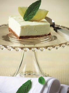 Δροσερό γλυκό με άρωμα λεμονιού - www.olivemagazine.gr