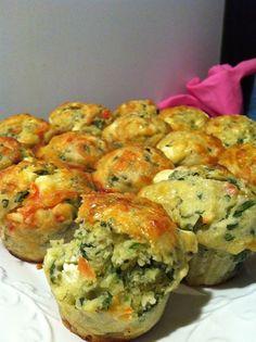 Versão salgada de muffins leva espinafre e queijo. Tente fazer! - Aprenda a preparar essa maravilhosa receita de Muffin de espinafre e queijo feta