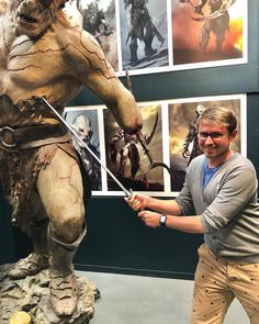 ‪Weta Workshop is a special effects and prop company based in Miramar, New Zealand, producing effects for television and film.‬ ‪-‬ ‪Really nice Studio to see behind the scenes of movie production and special effects 😉‬ Top Destinations, Special Effects, Natural Wonders, Really Cool Stuff, New Zealand, Behind The Scenes, I Am Awesome, Workshop, Studio
