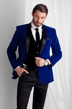 M14-26 - Blue velvet tuxedo with satin lapel