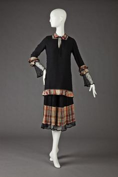 Day Dress. 1921-1923. The Goldstein Museum of Design via OMG that dress!