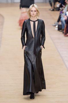 Fashion Week de Paris: les motardes romantiques de Chloé