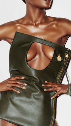 TOM FORD selected this beautiful black woman with a fierce body for a recent ad campaign. www.missKrizia.com