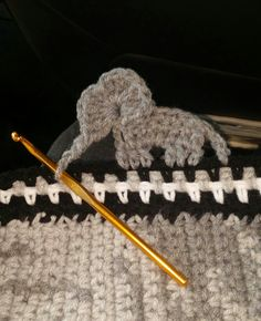 Crochet elephant border