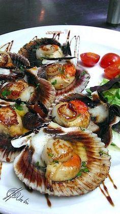 zamburiñas Squid Recipes, Catfish Recipes, Tilapia Recipes, Seafood Recipes, Appetizer Recipes, Pescado Recipe, Xmas Food, Food Decoration, Portuguese Recipes