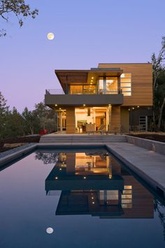 Modern Vacation Home by Swatt | Miers Architects