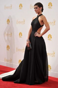 Lizzy Caplan - The Masters of Sex nominee made a dramatic entrance in a  Donna Karan Atelier black and white silk gazar and sheer organza with a show-stopping train. Caplan added Neil Lane jewels, Brian Atwood shoes and a Judith Leiber clutch evening bag.