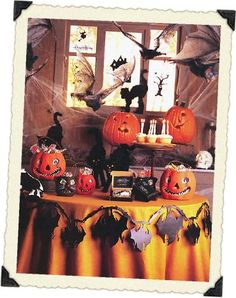 Halloween decorations : IDEAS & INSPIRATIONS  Halloween Party