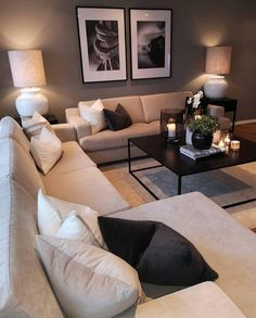 Keep up to date with the latest small living room decor ideas (chic & modern). Find good ways to get stylish design even if you have a small living room. Small Living Rooms, Small Living Room Decor, Home And Living, Apartment Living, Living Room Designs, Apartment Living Room, Living Decor, First Apartment Decorating, Living Room Furniture Layout