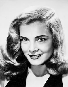 Lizabeth Scott, American film & voice actress and singer, of Ukranian born in Scranton, Pa. Hollywood Actor, Hollywood Glamour, Hollywood Stars, Hollywood Actresses, Classic Hollywood, Old Hollywood, Hollywood Icons, Veronica Lake, Jean Harlow