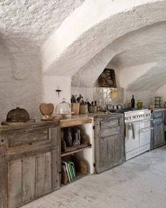 FARMHOUSE – INTERIOR – early american decor inside this vintage farmhouse seems perfect with an awesome basement kitchen.