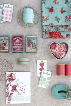 Magnolia Rouge: A colour story - Red, Pink & Teal.  This is the color pallet that I want to use in my bedroom.