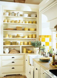 yellow and white kitchen - Do you like this idea for your open shelves?