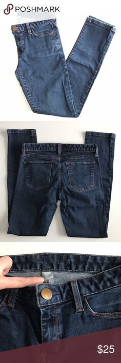 """Banana Republic skinny jeans. Excellent used condition. Dark wash low-rise skinny jeans from Banana Republic retail store. Size 25 petite. Waist 13.5"""" flat across. Inseam 27"""". Perfect amount of stretch. Sorry, no trades & I am unable to model. Banana Republic Jeans Skinny"""