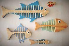 Beach House Fish Bathroom Shabby Chic Set of 5 Wooden Driftwood Wooden Fish, Wooden Art, Fish Crafts, Beach Crafts, Scrap Wood Projects, Craft Projects, Fish Bathroom, Bathroom Beach, Wood Crafts