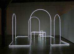 Senza fine, 2006, neon and cables of nylon, 300 x 500 x 500 cm
