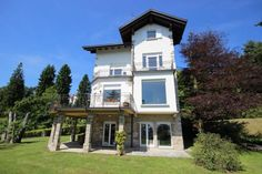 #fancy #villa standing on a #beautiful #garden