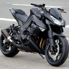 Kawasaki Z1000 with