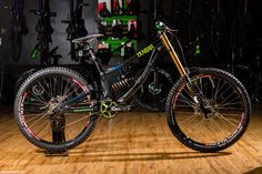 14f06e851a0 Dean is rocking the 2015 Transition Fox Suspension, RaceFace, OneUp and  Stop Components make up the majority of the build. At Dean opts for the XL  frame.