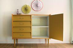 petit buffet yellow, bois, peinture et imprimé graphique