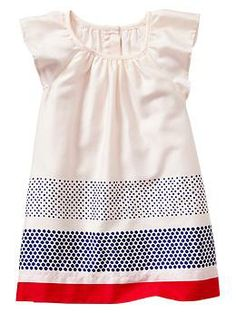 Paddington Bear™ for babyGap ruffle-sleeve dress - A limited edition Paddington Bear™ collection for your newest little additions. Fourth of July Fashion Kids, Baby Girl Fashion, Outfits Niños, Kids Outfits, Ruffle Sleeve Dress, Kid Styles, My Baby Girl, Baby Gap, Kids Wear