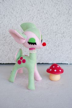 Very kitsch! Love the pink and green color combo and that mushroom!