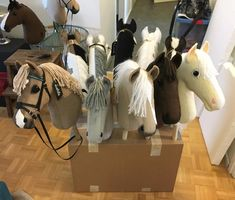 poniboxi Horse Galloping, Breyer Horses, Stick Horses, Stacking Toys, Horse Crafts, Hobby Horse, Horse Stalls, Carousel Horses, Horse Photos