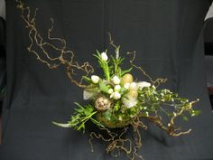 Anja Lantink Easter Flower Arrangements, Easter Flowers, Floral Arrangements, Easter Table Decorations, Flower Decorations, Deco Floral, Floral Design, Bradford Pear Tree, Fleur Design