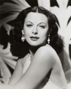 Hedy Lamarr / publicity photo for Paramount, Old Hollywood Movies, Old Hollywood Glamour, Golden Age Of Hollywood, Vintage Hollywood, Hollywood Stars, Classic Hollywood, Alexis Smith, Jennifer Jones, Veronica Lake