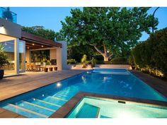 Geometric Pool in West Lake Hills, Texas! Modern Outdoor Kitchen, Indoor Outdoor Living, Outdoor Rooms, Outdoor Decor, Outdoor Kitchens, Geometric Pool, Cool Swimming Pools, My Pool, Backyard Patio Designs