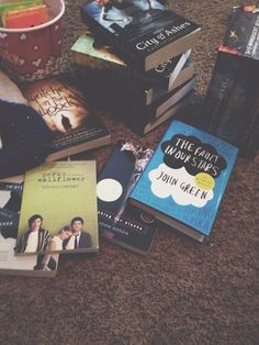 book, the fault in our stars, and john green image I Love Books, Good Books, Books To Read, My Books, Hairstyles Long Bob, Books Everyone Should Read, Donia, Divergent Insurgent Allegiant, Divergent Series