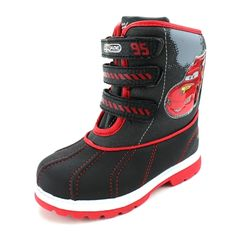 Ka-chow! Race around in the snow with these awesome Disney Cars winter snow boots! #cars #disneycars #disneypixar #disney #lightningmcqueen #yankeetoybox #ytb