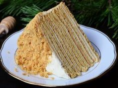 Russian Honey Cake is a traditional multi layered cake made with delicious honey flavored batter and soft as could sour cream frosting. This recipe makes this cake simple and fun to make. Hot Chocolate Cookies, Mexican Hot Chocolate, Russian Honey Cake, Sour Cream Frosting, Pie Crumble, How To Make Cake, Food Inspiration, Bakery, Food And Drink