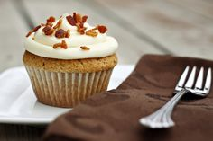 Let's Dish Recipes: FRENCH TOAST CUPCAKES WITH MAPLE FROSTING AND BACON SPRINKLES