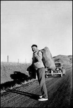 Sun Valley, Idaho. 1940. Ernest HEMINGWAY during a hunting trip on John Meyer's farm//Robert Capa