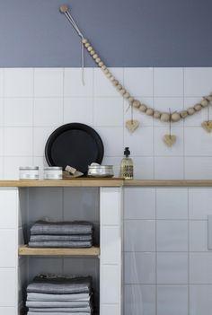 DIY XL wooden bead necklace   Marie-Gon Vos   vtwonen-doe-het-zelf episode 8 Heart Diy, Laundry In Bathroom, Wooden Beads, Home Projects, Home And Living, Interior Inspiration, Diy Furniture, Diys, Home Improvement