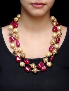 Double Chain Carved Red-Golden Pearl Necklace Diamond Necklace Set, Pearl Necklace Set, Beaded Necklace, Gold Jewellery Design, Bead Jewellery, Emerald Jewelry, Silver Jewelry, Pearl Necklace Designs, Indian Jewelry Sets
