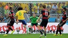 Brasilien gegen Deutschland, Angriff Brasilien | Bildquelle: dpa